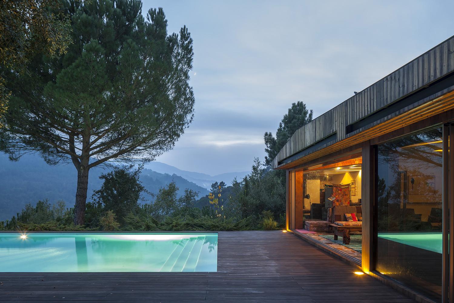 Casa Vale do douro - mjarc arquitectos waf